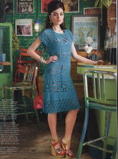 Vogue Knitting ( Crochet ) 2013 written English patterns robes et collier fleurs