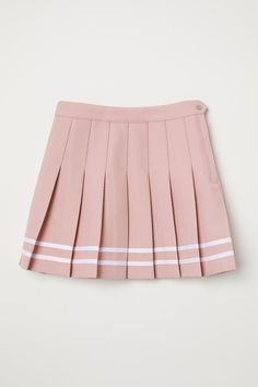 Kpop Fashion Outfits, Girls Fashion Clothes, Cute Fashion, Clothes For Women, Fashion Ideas, Pleated Skirt Outfit Short, Pink Pleated Skirt, Alternative Mode, Alternative Fashion