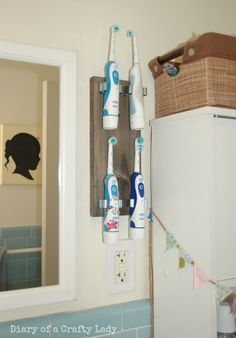 Electric toothbrush holder