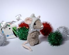 Fuzzy Thoughts: Holiday Mice free pattern!