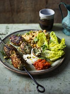 In his Turkey Kofte recipe Jamie Oliver replaces the traditional red meats with healthier turkey for a delicious lighter take on the Middle Eastern classic. Jamie Oliver, Rice Vermicelli, Vegetable Puree, Organic Chicken, Fresh Coriander, Healthy Recipes, Healthy Dinners, Healthy Food, Entrees
