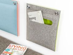 Wandkissen aus Filz mit Tasche für Zeitungen & Co