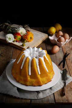 Chiffon Cake al limone con glassa allo zucchero
