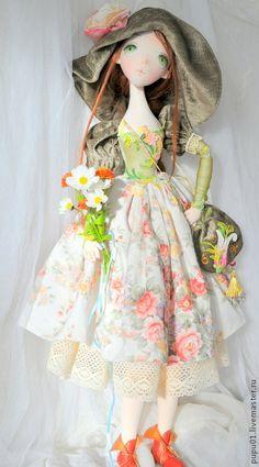 Купить Авторская кукла Флора - оливковый, авторская ручная работа, кукла ручной работы Happy Pictures, Doll Face, Pin Cushions, Art Dolls, Doll Clothes, Harajuku, Flora, Fabric, Pattern