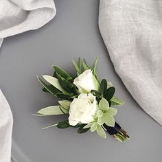 Groom's white rose boutonniere corsage for modern classic navy suit. White Rose Boutonniere, Calla Lily Boutonniere, Corsage And Boutonniere, Groom Boutonniere, Boutonnieres, Bullet Boutonniere, Lavender Boutonniere, White Rose Bouquet, Prom Flowers