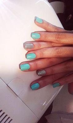 Tiffany Nails. Sparkling Silver 💖 #tiffanynails #tiffany #nails #mesauda