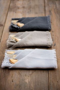 Ensemble Set of 6 Linen colors-Pure Linen Napkins-Washed linen Napkins-Large Size Dinner Napkins-Reusable Napkins This table napkin is made from washed linen and is soft and gentle e Linen Napkins, Napkins Set, Cloth Napkins, Napkin Folding, Deco Table, Decoration Table, Table Linens, Wedding Table, Tablescapes