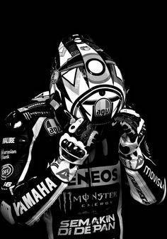 speed & style — Valentino Rossi (Photo l Michelin) Valentino Rossi Helmet, Valentino Rossi 46, Agv Helmets, Motorcycle Helmets, Motorcycle Art, Bike Art, Gp Moto, Cb 1000, Kawasaki Bikes