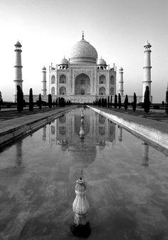 Tag-Mahal black and white