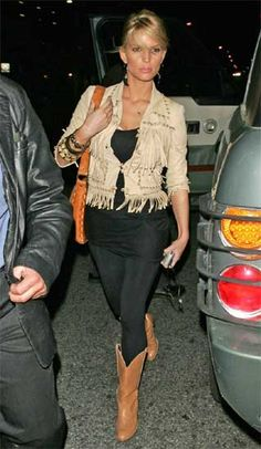 Jessica Simpson The Ivy In Los Angeles March 30 2005