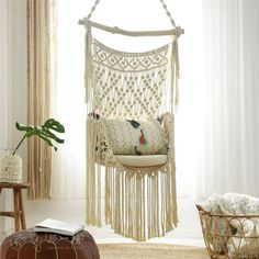 Here you can find out how to make a macrame hanging chair DIY. These free macrame patterns are suitable for beginners.