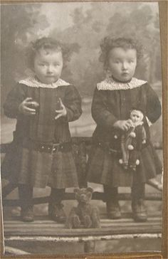 ▫Duets▫groups of two in art and photos - little twins from the 1870s
