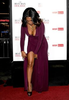 prettiyoungthangs: iluvthemhoes: fuckingandfeasting: fuckyeahhotactress: Nia Long at The Best Man Holiday Premiere in Los Angeles why aren't we all more obsessed with her? Man look… mm mm mm Nia Long, Beautiful Black Women, Beautiful People, Beautiful Ladies, Short Black Hairstyles, Sexy Ebony, Ebony Beauty, Famous Women, Famous People