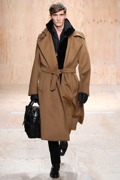 Berluti Fall 2014 Menswear Fashion Show