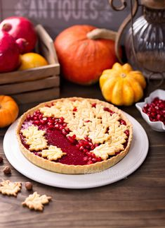 When cranberries make their appearance in the fall, one of the first things I go to is a cranberry curd tart with einkorn crust (the other being cranberry kvass). Gluten Free Desserts, Just Desserts, Tart Recipes, Keto Recipes, Tart Shells, Pastry Cake, Thanksgiving Desserts, Desert Recipes, Beets