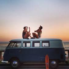 un coucher de soleil, un van VW, l'océan et la vie devant soi #mapauseentrecopines
