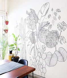 Before & After: How Hand Drawn Foliage Brings A Blank Wall to Life - Wall makeover: Fun weekend activity. How to draw a wall mural on a blank wall. Foliage mural with S - Wall Painting Decor, Mural Wall Art, Wall Paintings, Creative Wall Painting, Wall Murals Bedroom, Faux Painting, Painting Furniture, Diy Wand, Sharpie Wall