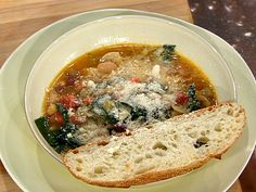 Tuscan Bean Soup recipe from Emeril Lagasse via Food Network substitute Italian sausage for pancetta Tuscan Bean Soup, White Bean Soup, Food Network Recipes, Cooking Recipes, Healthy Recipes, Bean Soup Recipes, Soup And Salad, Kale Soup, Soups And Stews