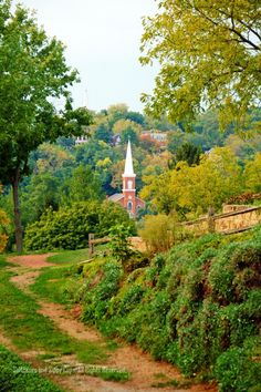Galena, Illinois - a town full of historical buildings. Ulysses Grant lived there after the Civil war, and before becoming President. Galena Illinois, Places To Travel, Places To Visit, Old Churches, Cathedral Church, Church Building, Back In Time, Place Of Worship, Cathedrals