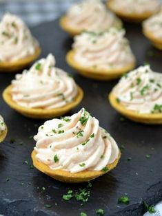 Cocina – Recetas y Consejos Appetizers For Party, Appetizer Recipes, Snack Recipes, Cooking Recipes, Tea Time Snacks, Food Porn, Spanish Dishes, Christmas Dishes, Appetisers