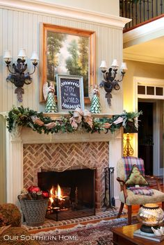 Our Southern Home | Christmas Mantel | http://www.oursouthernhomesc.com!!! Bebe'!!! Love this room's decor!!!