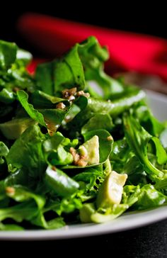 Recipe: Arugula and avocado salad with bagna cauda dressing || Photo: Andrew Scrivani for The New York Times