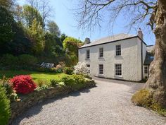 A stunning 5 bedroom Grade II listed house in Penryn.