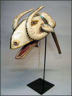 Bamana marionettes - Head of the Ram - Rand African Art Living Puppets, Zoo 2, Afrique Art, Art Tribal, Marionette Puppet, Art Premier, Art Africain, Art Sculpture, Animal Masks