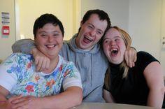 Robin à 30 ans ! #larche #handicap #jeanvanier Kids Mental Health, Pictures Of People, Photo L, Timeline Photos, Robin, Portraits, Community, Couple Photos, Couples