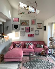25 Stylish Living Room Decor Ideas For Any Budget – BuzzKee Living Room Designs, Living Room Decor, Bedroom Decor, Pink Living Rooms, Living Room Gallery Wall, Eclectic Living Room, Gallery Walls, Eclectic Decor, Home Interior