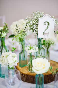 Natural white flowers for an English country garden wedding - Prettywants blog http://prettywants.wordpress.com/