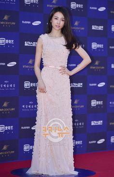 [Photos] 52nd Baeksang Arts Awards 2016 Red Carpet : Korean Actresses @ HanCinema :: The Korean Movie and Drama Database