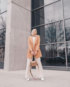 hat's your go-to modest clothing item? I love a good longline blazer! 😍Screenshot to shop my outfit or find me on the LTK app! Modern Hijab Fashion, Street Hijab Fashion, Hijab Fashion Inspiration, Muslim Fashion, Modest Fashion, Korean Fashion, Fashion Outfits, Fashion Jobs, 70s Fashion
