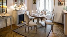 Roses and Rust: Perfect in Paris Vacation Apartments, Paris Apartments, Rental Apartments, Country House Design, French Country House, Dining Decor, Dining Area, Dining Rooms, Paris Apartment Rentals