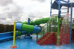 Speelpark buiten bij Zwembad Binnenzee https://www.fijnuit.nl/1121/zwembad-binnenzee
