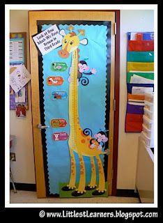 Giraffe :) Jungle Theme Classroom, Classroom Decor Themes, Classroom Setting, Classroom Door, Classroom Setup, Future Classroom, Classroom Organization, Classroom Displays, Safari Theme