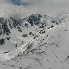 Dernière journée de ski de la saison !  #cauterets #cauterets2016 #cauteretsfrance #npy #npyski #midipy #midipyrenees #midipyrénées #65 #cirquedulys #snow #spring #foggyday #ski #ride #ootd by catchingtales