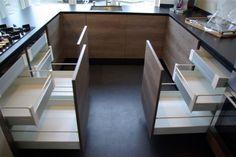 KEUKENS: EEN RITMEESTER KEUKEN MET EEN VLEUGJE IKEA [Software depot]