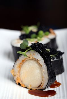 "Can you guess what the ""scallop"" is in this Spicy Vegan Scallop Roll?"