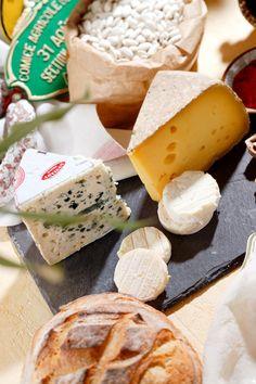 Les spécialités régional de Midi-Pyrénées: nos fromages ! - Par CRT Midi-Pyrénées / Dominique VIET #shopping #gastronomie #fromage #midipyrenees #france #tourismemidipy