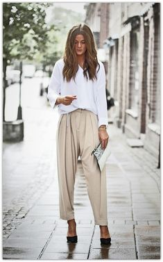 White blouse + baggy pants fashion moda, kıyafet и kadın Street Style Chic, Minimalist Street Style, Minimalist Fashion, Stockholm Street Style, Paris Street, Work Fashion, Fashion Looks, Fashion Outfits, Womens Fashion