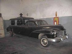 Google Image Result for http://images.hemmings.com/wp-content/uploads/2008/04/52checkerhearse_02_resized.jpg