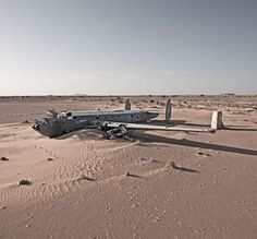 Crash Site-Photography of abandoned Planes with Happy Endings