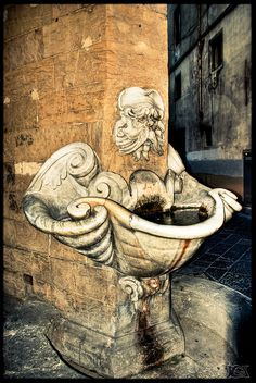 Old Fountain by Broogland, via Flickr