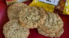 I've never had cookies with pudding mix in them, but I love oatmeal cookies and I can't wait to make these!! Great thing is you can mix up the type of pudding mix you use, for example butterscotch instead of vanilla, and add different mix-ins like raisins, chocolate chips, white chocolate chips and cranberries, peanut butter or butterscotch chips or pecans. Yummy! Pudding Oatmeal Cookies | Food.com