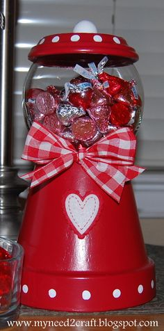 I just wanted to pop in and say that I finally found where the Valentine Candy Jar project idea came from on Pinte. Clay Pot Projects, Clay Pot Crafts, Jar Crafts, Diy And Crafts, Crafts For Kids, Flower Pot People, Clay Pot People, Flower Pot Crafts, Flower Pots