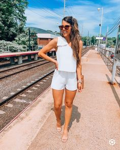 Summer Holiday Outfits, Summer Vacation Outfits, Honeymoon Outfits, Cute Summer Outfits, Classy Outfits, Trendy Outfits, Cancun Outfits, Classy Bachelorette Party, Bachelorette Outfits