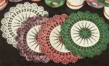 Totally Free Crochet Pattern Blog - Patterns: Two-tone Doily...Very vintage looking!!!