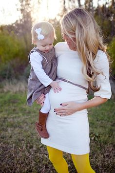 Cute outfit for spring... I'd have to go for a different shade of leggings.