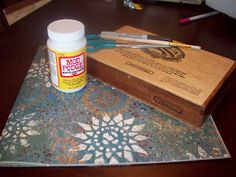 Memory box with scrapbook paper and mod podge Cigar Box Diy, Cigar Box Crafts, Cigar Box Purse, Wooden Cigar Boxes, Diy Box, Cigar Box Projects, Mod Podge Crafts, Resin Crafts, Diy Crafts